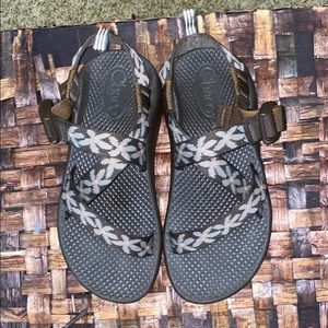 Chaco Girls Size 2 Flower Patch Brown Sandals